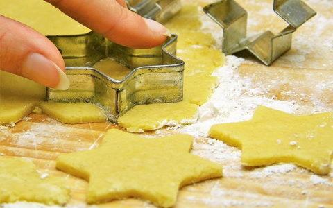 粘土でフェイクスイーツデコ 初心者でも簡単なクッキーの作り方